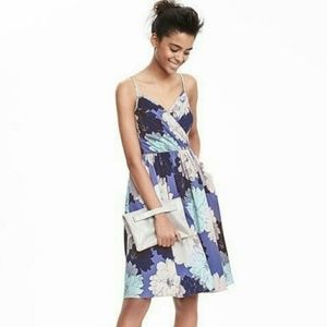 Banana Republic Floral Vee Dress With Pockets 8
